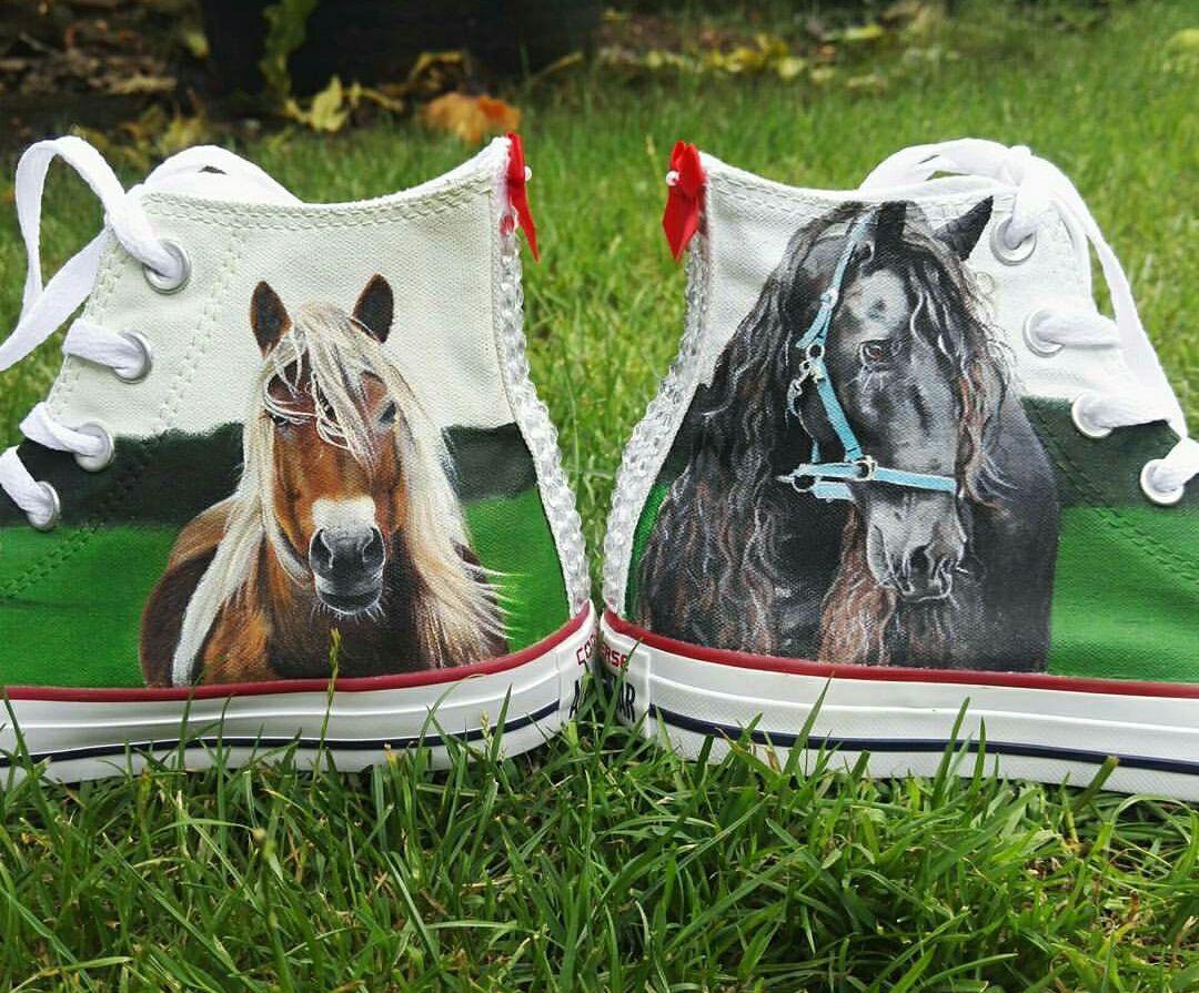 Horse Converse